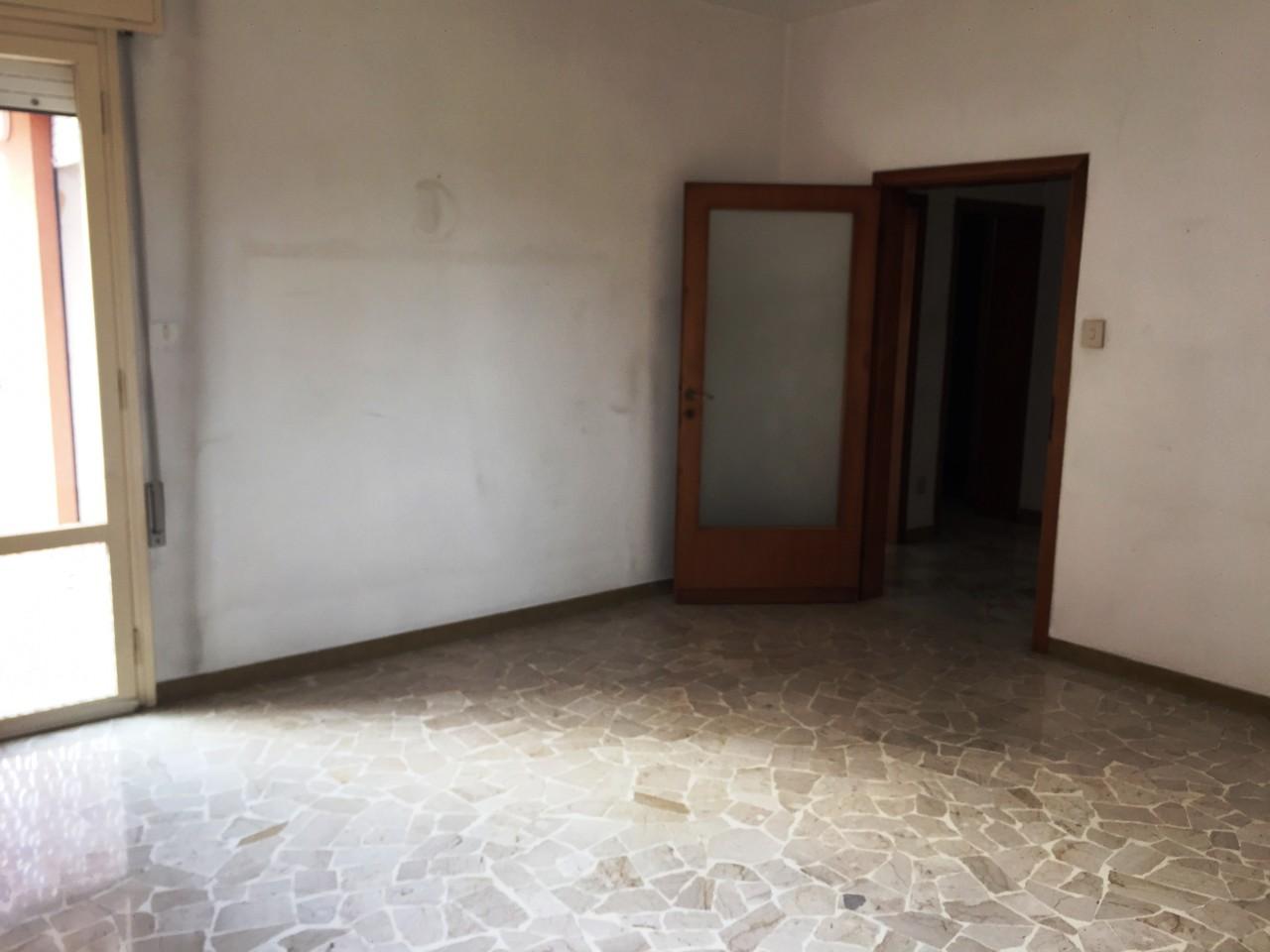 Madonna Pellegrina - Appartamento al 2° piano con ascensore ...